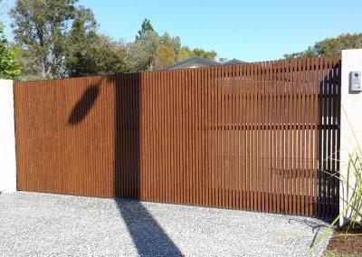 Knotwood Batten Sliding Gate